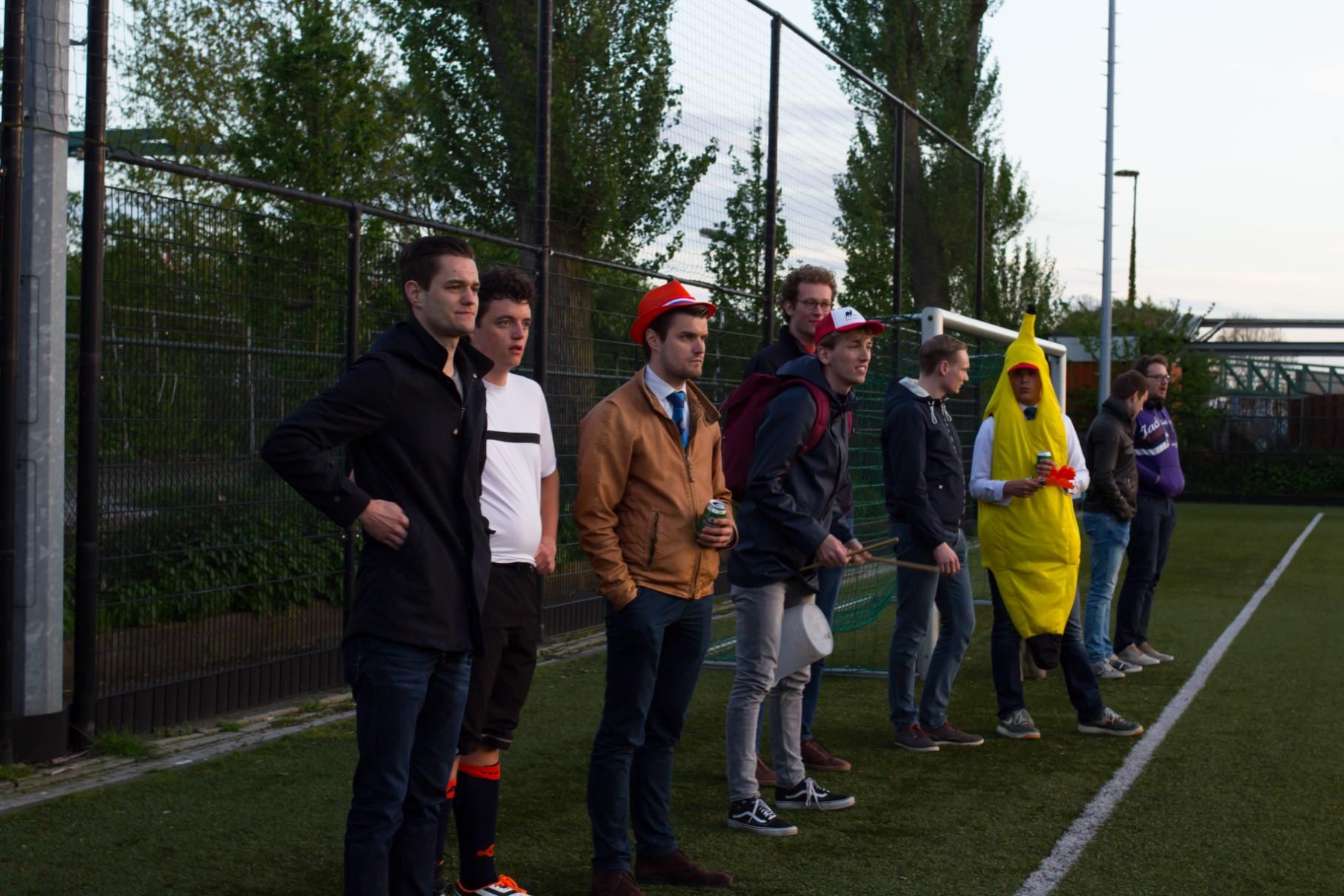 Voetbal en koningssoos VGSR-9